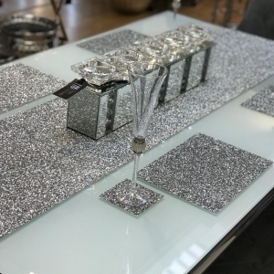 SET OF 4 GLITTER PLACEMATS IN SILVER