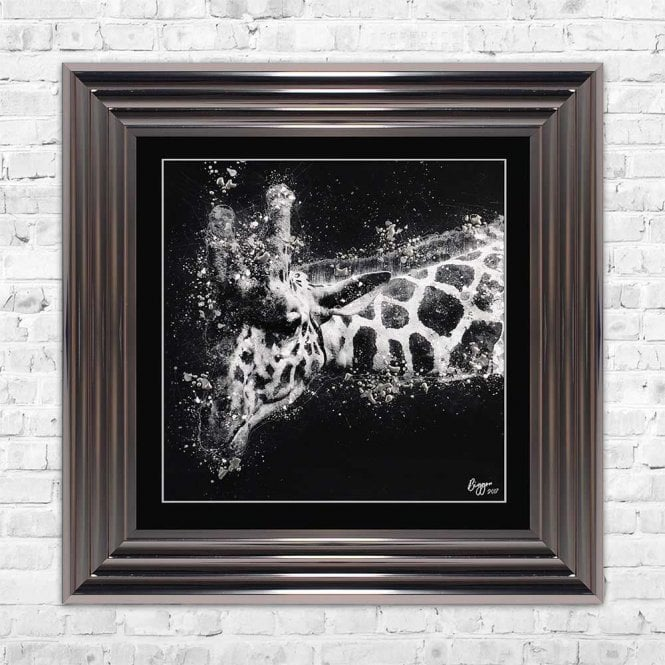 SINGLE GIRAFFE LEFT FRAMED WALL ART